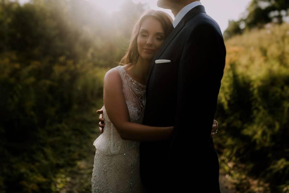 ślubna-sesja-fotograficzna-nad-wisłą-w-warszawie