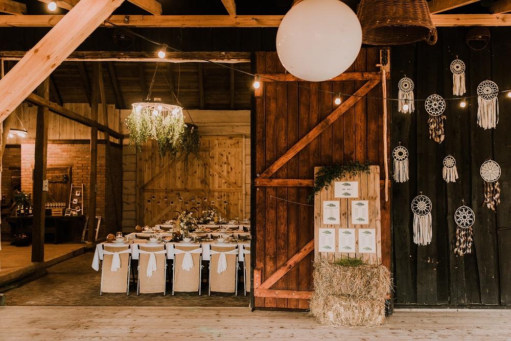 Zdjęcie-zrobione-w-stodole-osada-dębowo