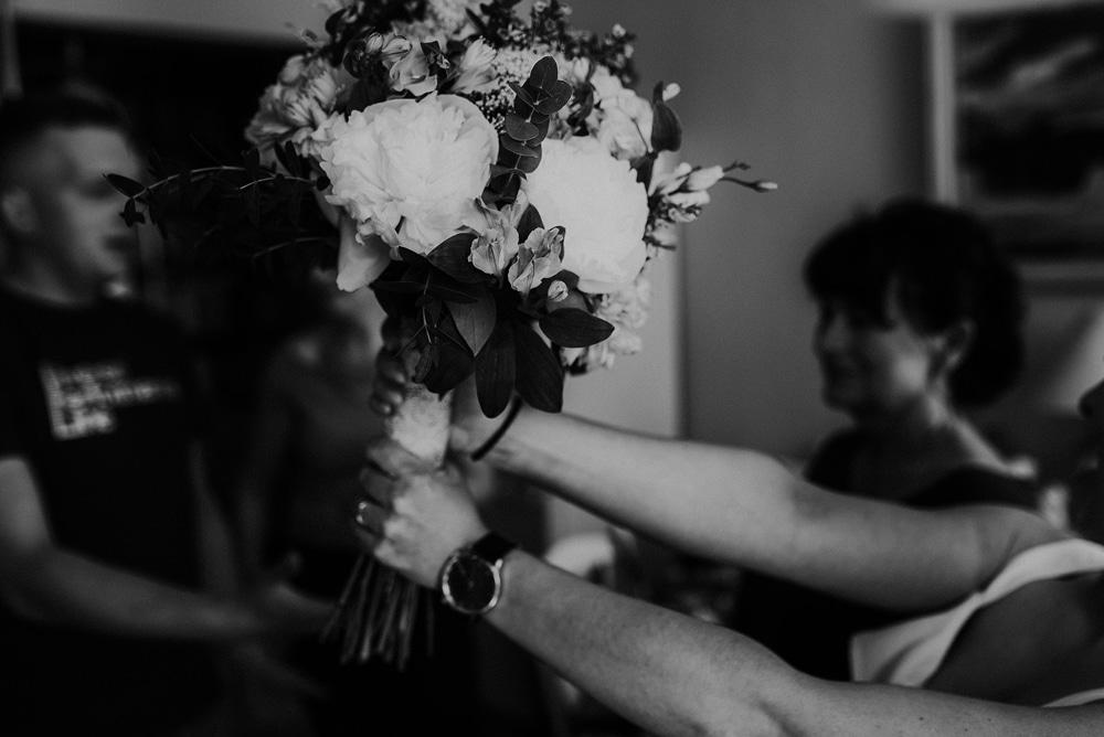 bukiet-ślubny-kwiaciarnia-giżycko