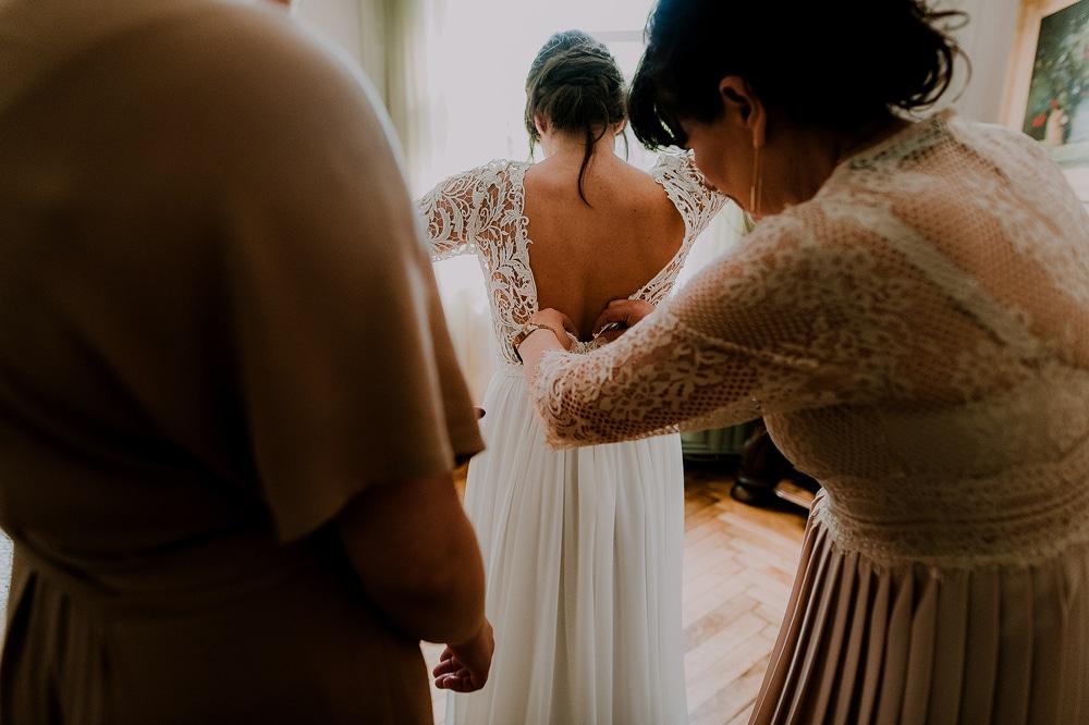 suknia-ślubna-na-wesele-w-stylu-boho