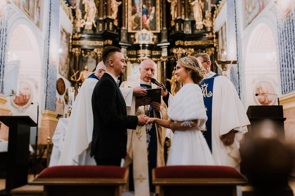pierwsza-wizyta-u-księdza-przed-ślubem